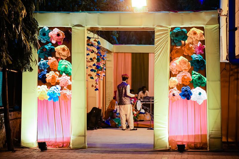 Candid Wedding Photographer Ahmedabad-1-16.jpg