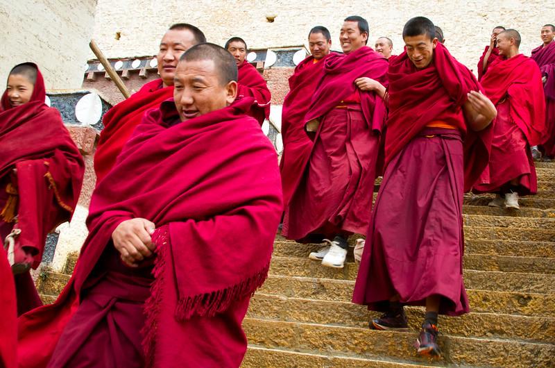 נזירים