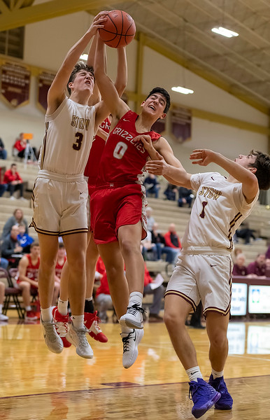 Wadsworth hangs with Stow for three quarters, then falls