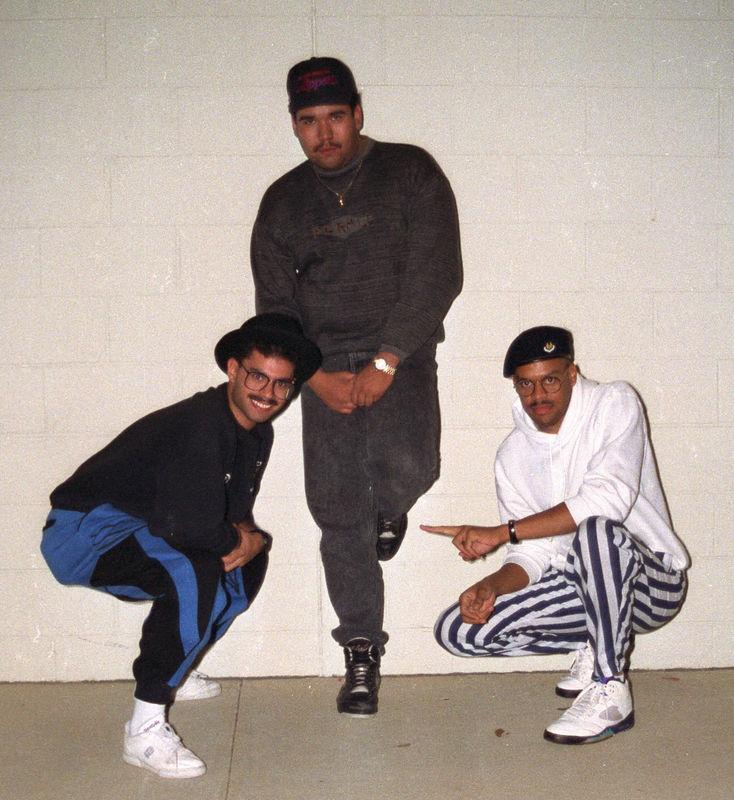 1991 12 20 - Hanging w_the fellas 13.jpg