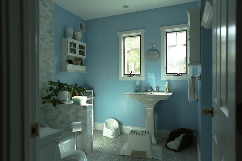 021_Downstairs_Bathroom1.jpg