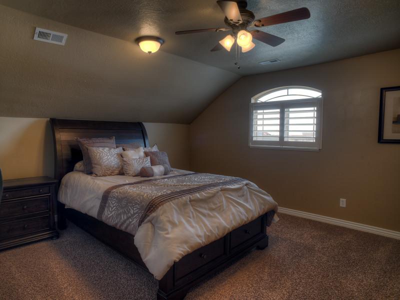 Syracuse Bonus Room 2 150314.jpg