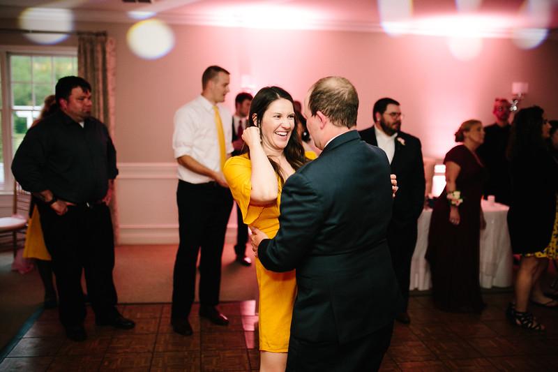 amie_and_adam_edgewood_golf_club_pa_wedding_image-1095.jpg
