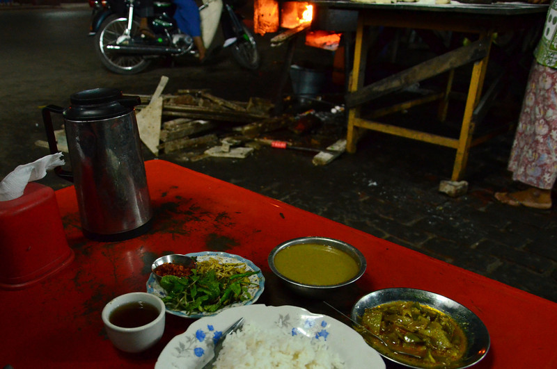 DSC_4601-street-curry-and-rice.JPG