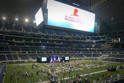 102810 Mike Jones at Cowboys Stadium benefitting St Jude