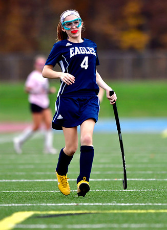 11/2/2018 Mike Orazzi   Staff Wethersfield's Summer Mitchell (4) during field hockey at Southington High School Friday.