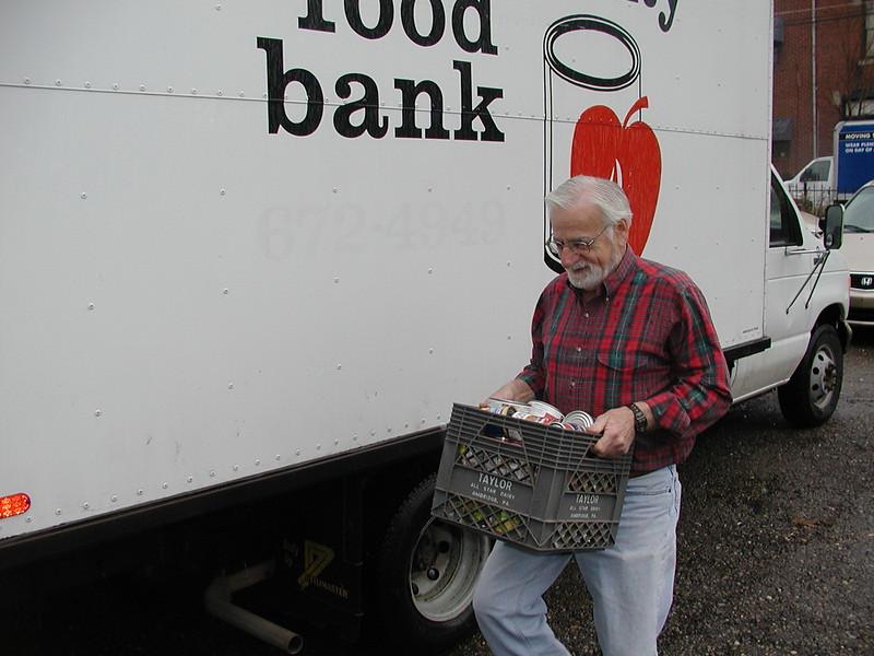2003-03-30-Homeless-Lunch-Anniv_018.jpg