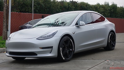 Tesla Model 3 - Stealth Metallic Silver 3