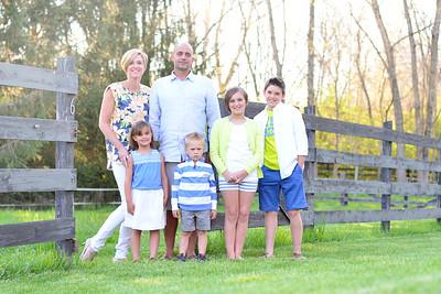 Kiniyalocts Family
