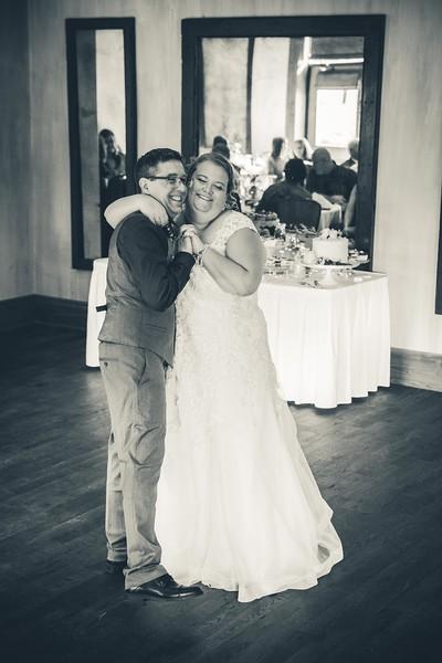 Beloit-WI-Ironworks-hotel-Wedding-Photographere_m_81.jpg