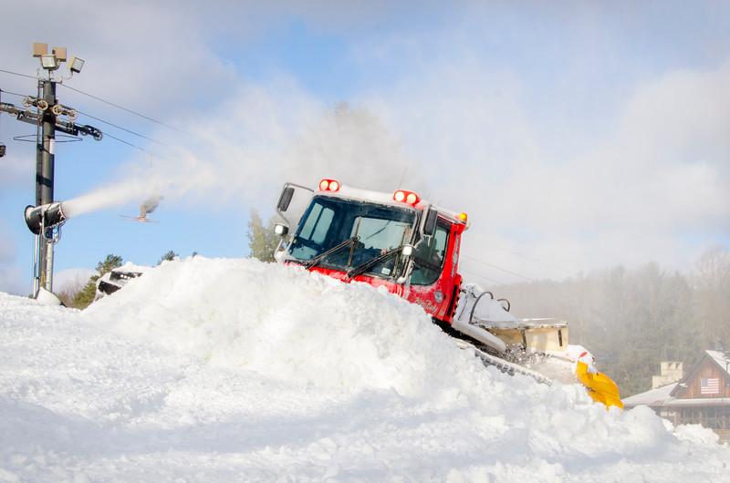 Snowmaking-n-SnowCats_Snow-Trails-72.jpg