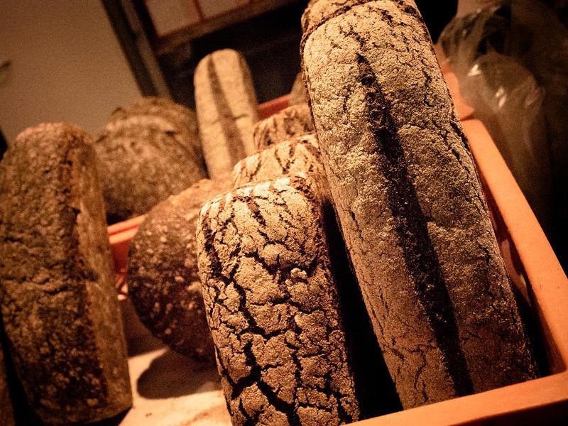 tampere market rye bread.jpg