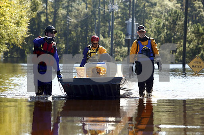 north-carolina-governor-pledges-aid-to-flooded-historic-town