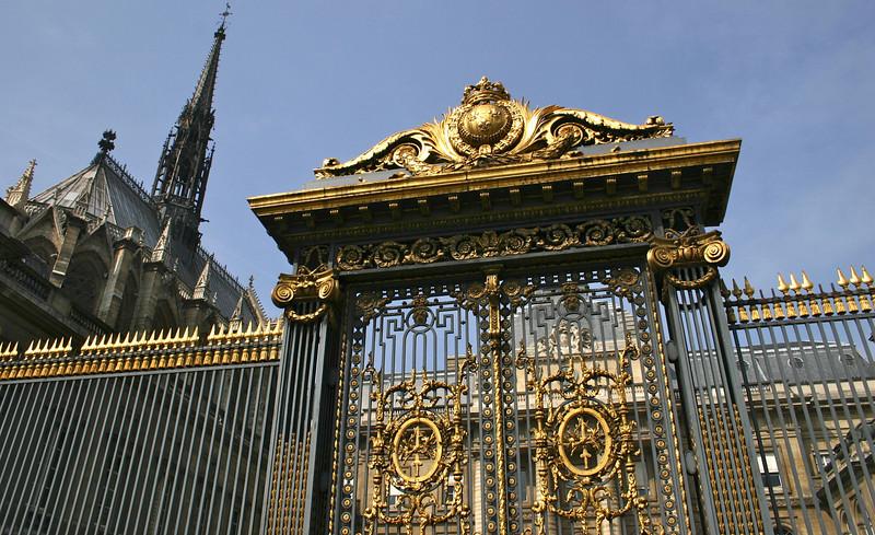 Sainte-Chapelle & Palais Du Justice- Paris