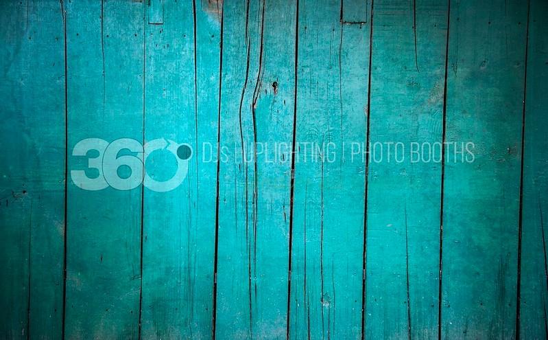 Wood-Azul_batch_batch.jpg