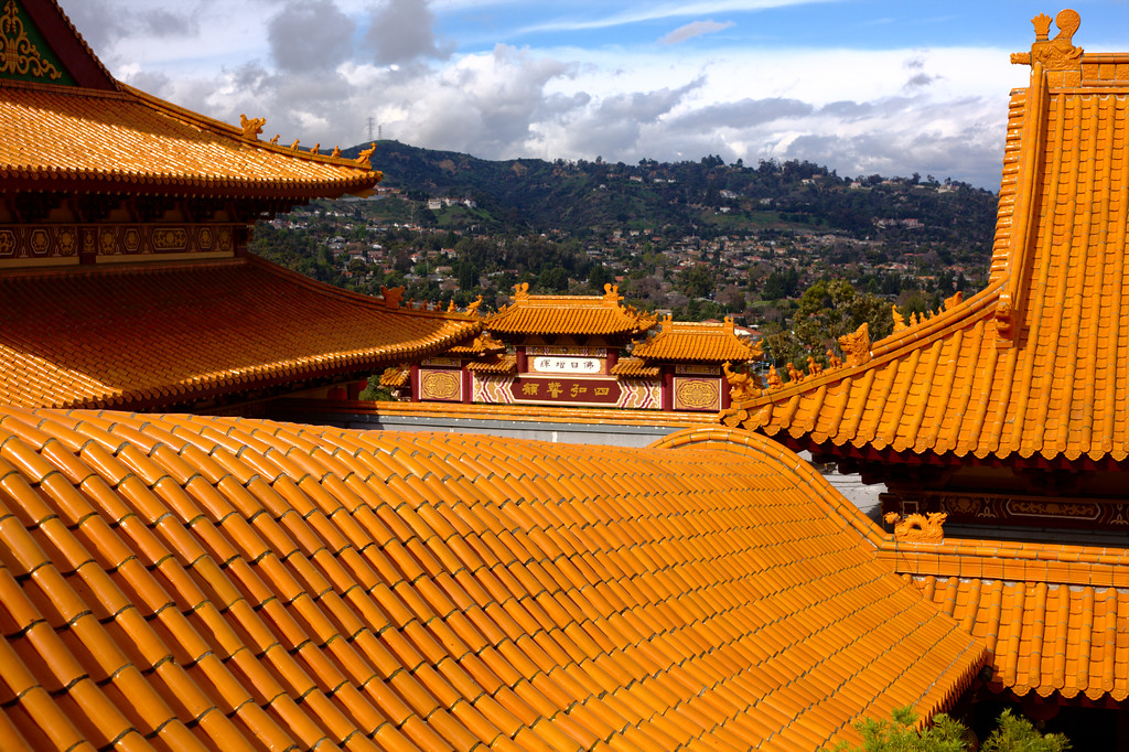 Hsi Lai Temple - Rolling Rooftop