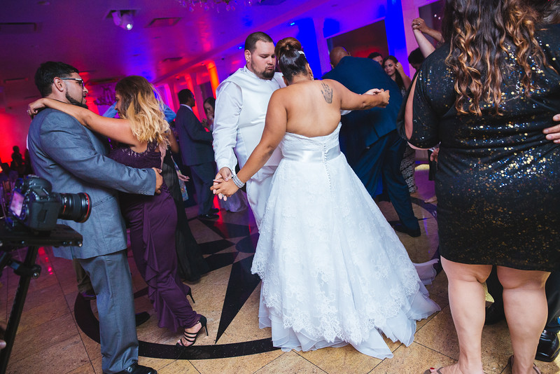 MER__1124_tonya_josh_new jerrsey wedding photography.jpg