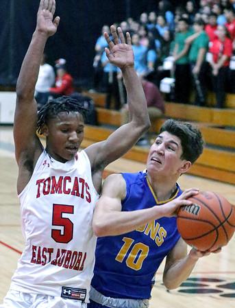 Lyons Township and York boys basketball at Hoopfest