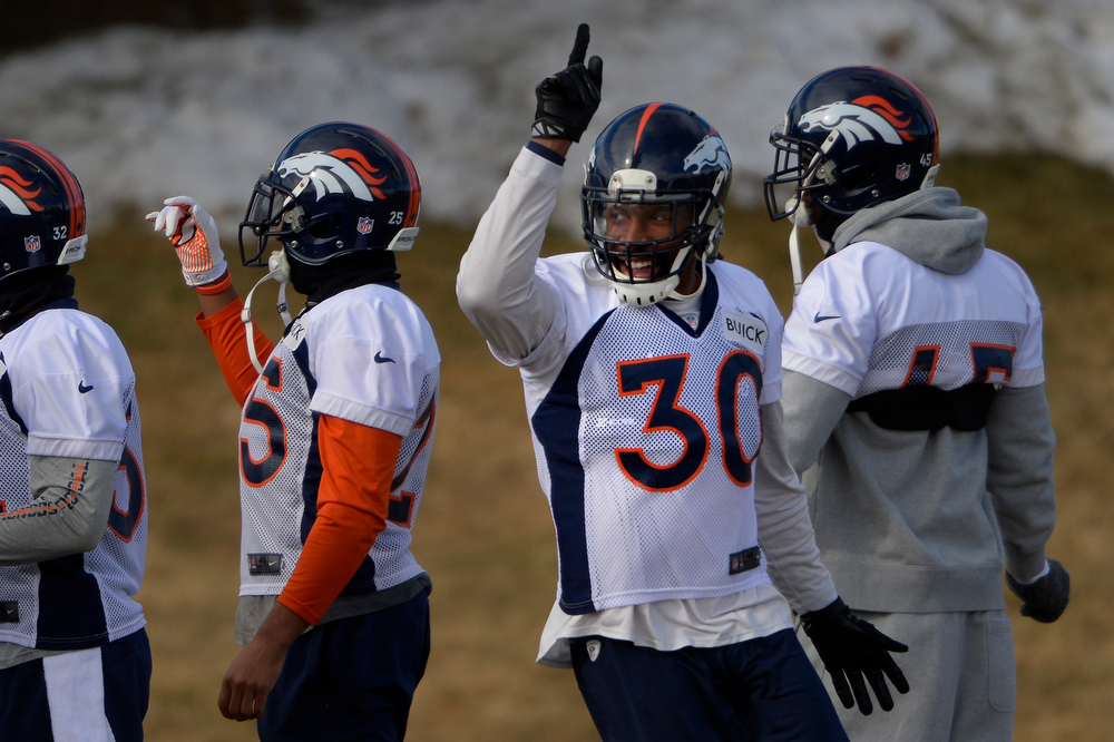 . Strong safety David Bruton #30 of the Denver Broncos during warm ups at practice in Centennial January 10, 2014 Centennial, Colorado. (Photo by Joe Amon/The Denver Post)