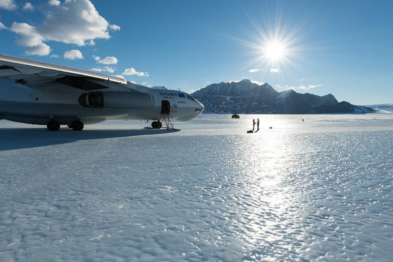 Punta IL76 Union Glacier -1-2-18071192.jpg