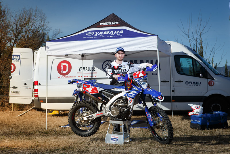 2016_Enduro2_Outsiders_Official_WR450F_Larrieu_Action 2.jpg