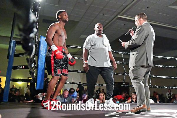 Kiante Irving, Black Gloves, Beaver Falls, PA  -vs-  Vince Berkhaultger, Red Gloves, Atlanta, GA, 165 Lbs.