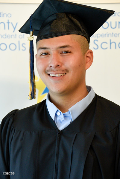 20190614_SSGradPortraits-28.jpg