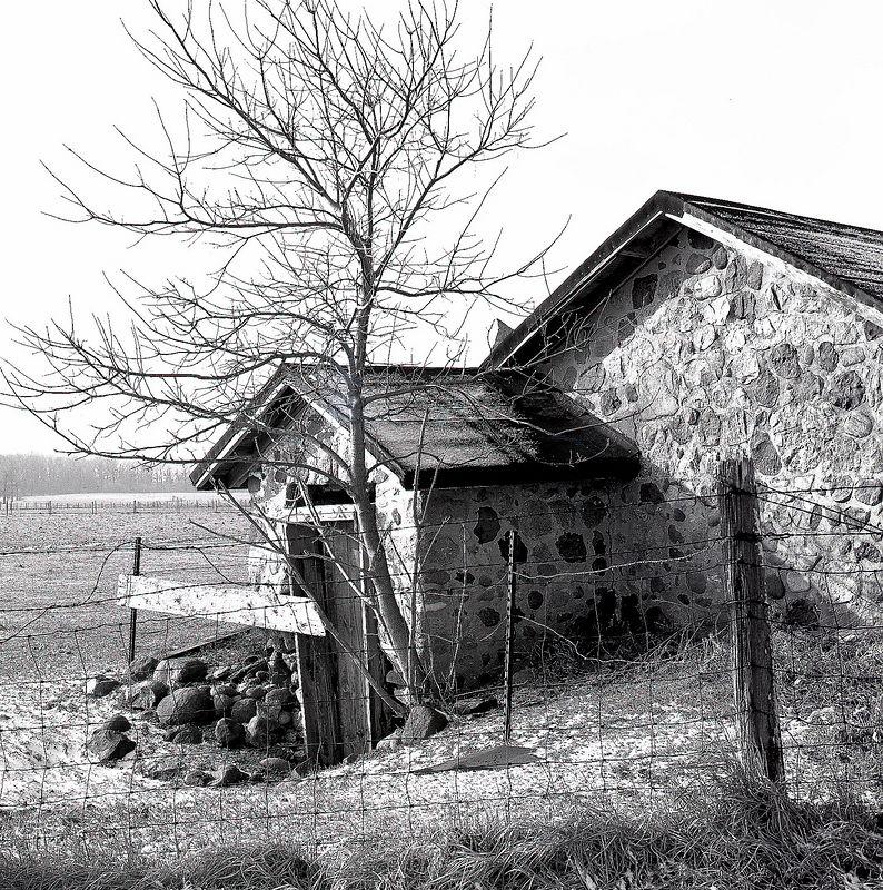 Untitled-1stone house.jpg