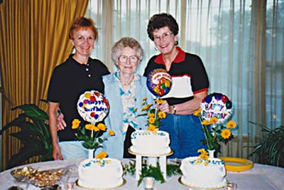1998-08-05 - At Loveland, CO.  Vadis - 59 on Sept 6th; Mary - 87 on Sept 2nd; Marian - 64 on Sept 5th
