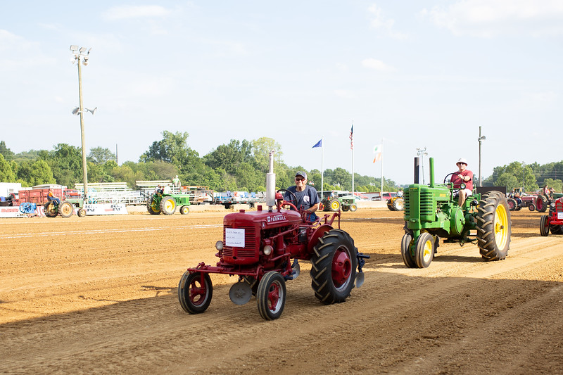 Antique Tractor Parade-16.jpg