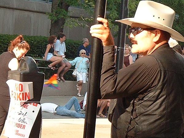 Pride Parade 2001-90.jpg