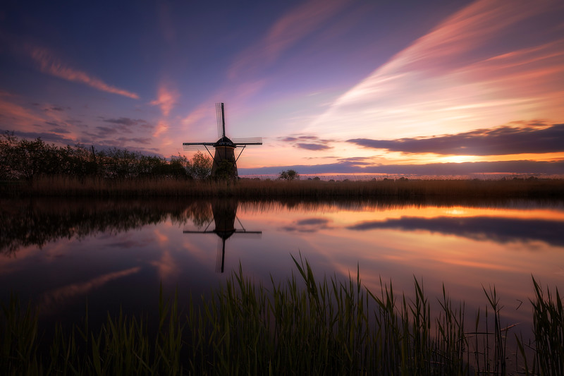 Kinderdijk sunset sunrise windmills district holland rotterdam netherlands 5.jpg