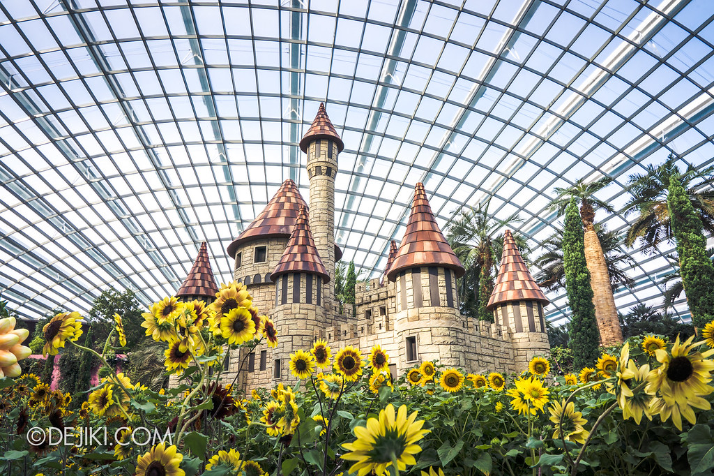 Gardens by the Bay – Sunflower Surprise / castle overview