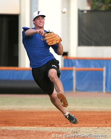 Photo Gallery: UF Baseball, first spring practice, 1/29/10