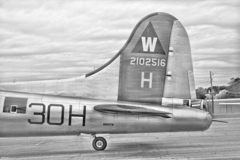 """B-17G-105-VE, S/N 44-85740 """"Aluminum Overcast """"  N5017N Painted as B-17G #42-102516 which was shot down  over  Le Manior, France August 13, 1944. Gwinnett County - Briscoe Field, GA, (KLZU)   01/21/2021, This work is licensed under a Creative Commons Attribution- NonCommercial 4.0 International License."""