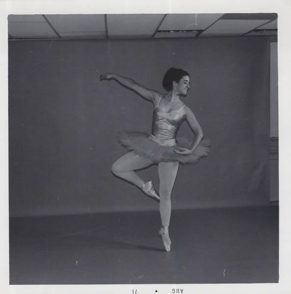 Dance_1135.jpg
