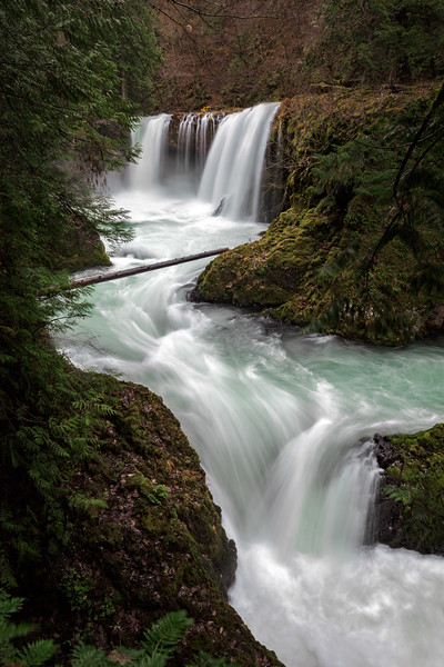 Spirit falls washington usa waterfall columbia river gorge.jpg