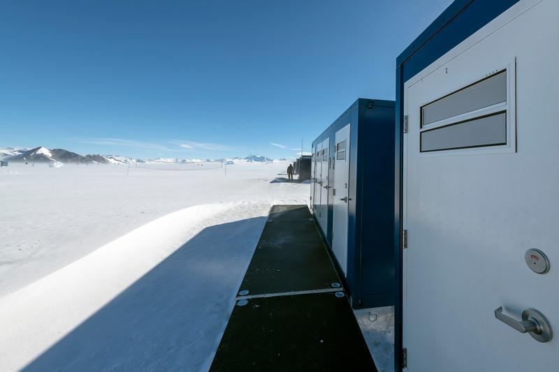 Punta IL76 Union Glacier -1-3-18071235.jpg