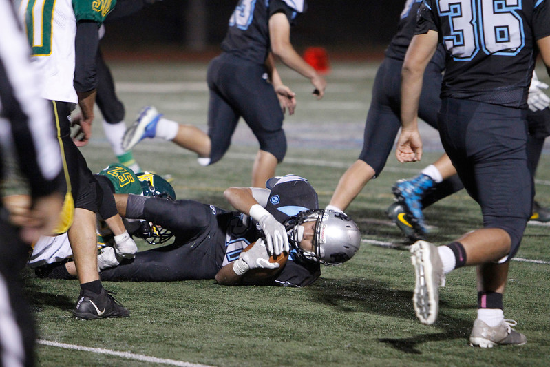 The second quarter of the Capital High School vs Los Alamos High School football game at Capital on Friday, November 3, 2017. Luis Sánchez Saturno/The New Mexican