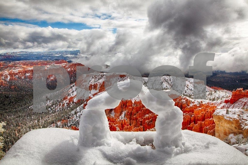 Bryce Point, snow arch 7606_HDR.jpg