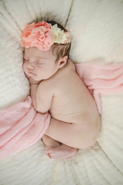 Haylee newborn session-24.jpg