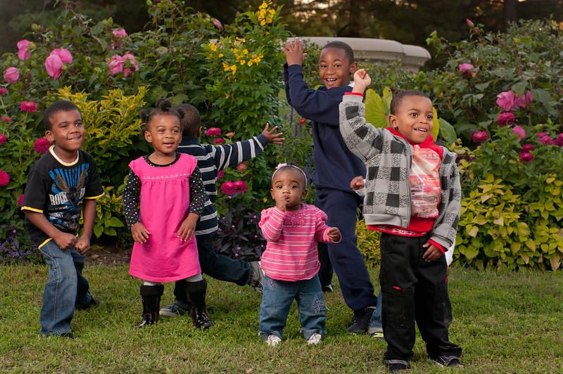 20110925-Peaches Family-6210.jpg