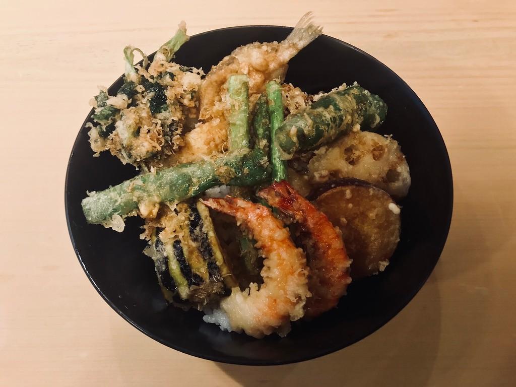 Mixed tempura donburi (rice bowl).