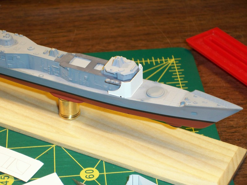 101018 FFG-7 fwd deckhouse bulkhead replacement: Trial fit (cardstock).