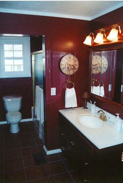 800N5thBathroom (8).jpg
