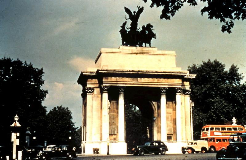 1960-2-7 (39) Constiyution Arch, London.JPG