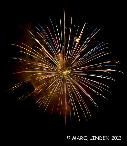 Newport Dunes Fireworks 07042013-030.jpg
