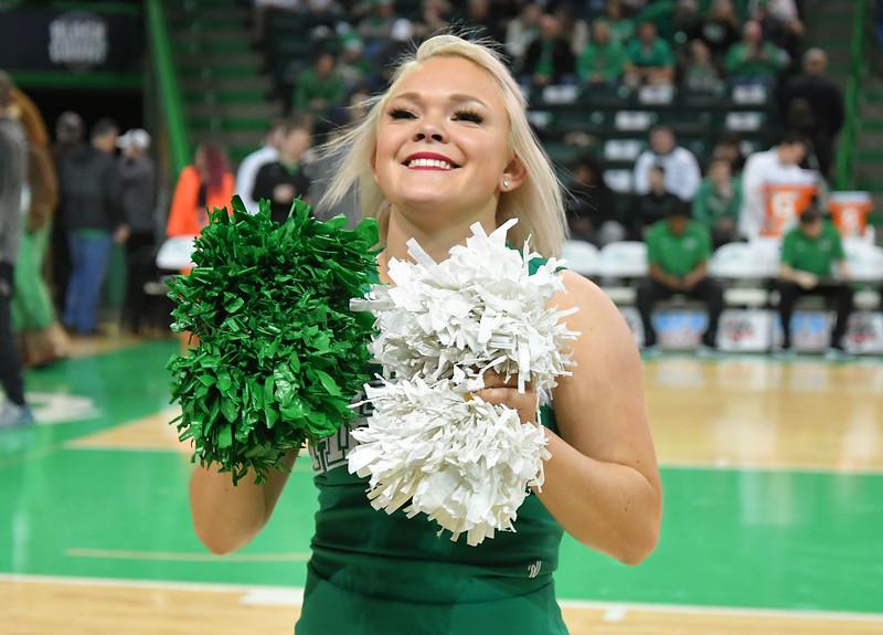 cheerleaders4420.jpg