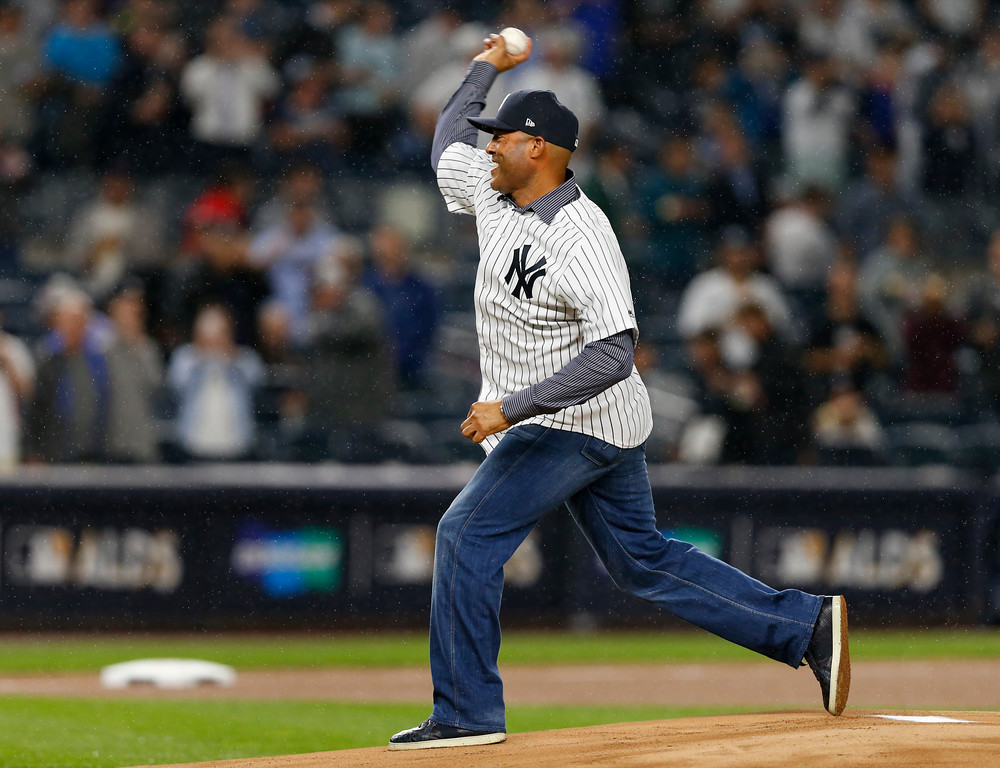 . Former New York Yankees pitcher Mariano Rivera throws out the ceremonial first pitch before Game 4 of baseball\'s American League Division Series between the New York Yankees and the Cleveland Indians, Monday, Oct. 9, 2017, in New York. (AP Photo/Kathy Willens)