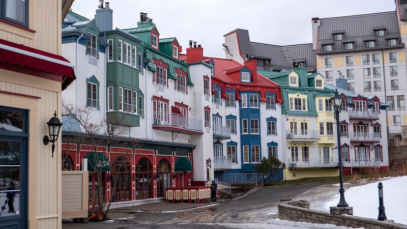 Mont-Tremblant-Quebec-Pedestrian-Village-03.jpg